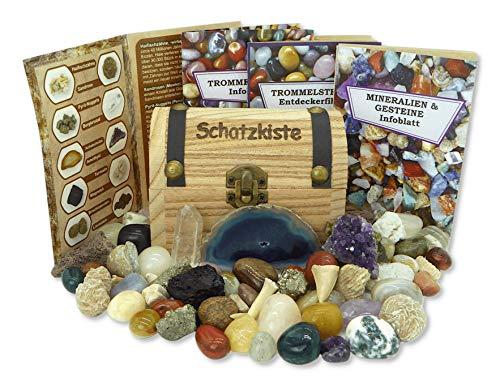 Schatzkiste gefüllt mit Mineralien,...