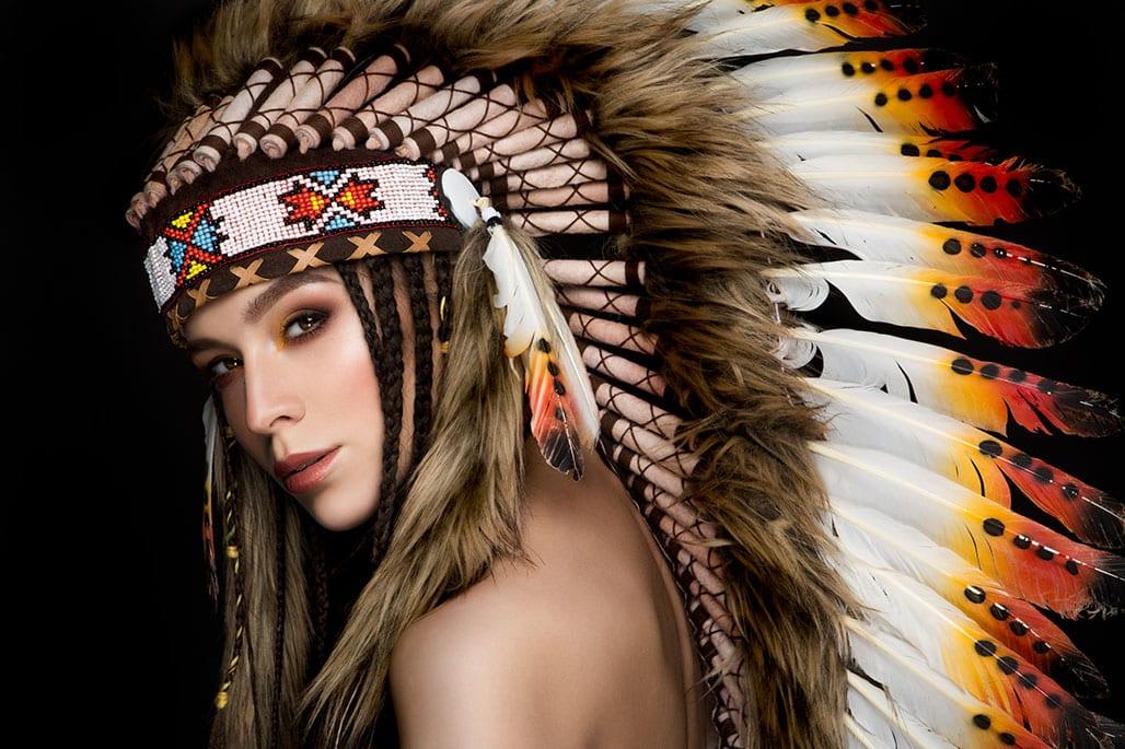 Federschmuck der Indianer und seine Bedeutung
